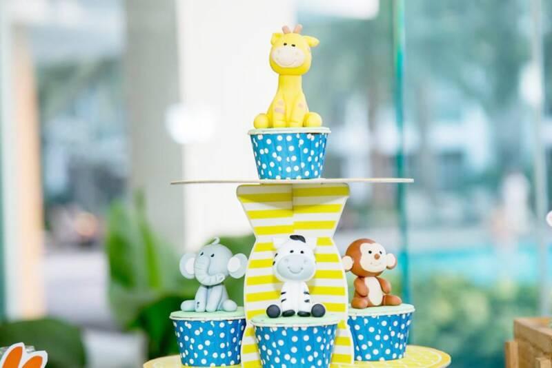 Bánh cupcake tạo hình con vật theo chủ đề