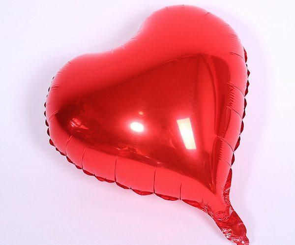 Bong bóng kiếng trái tim trung màu đỏ