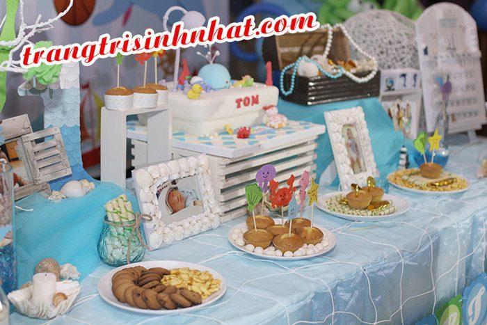 Một góc bàn sinh nhật bé trai