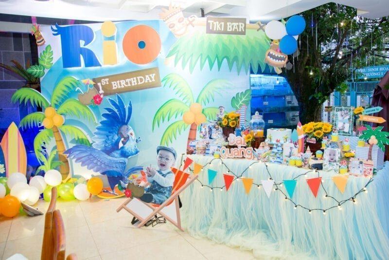Trang trí sihh nhật bé Đại Quang chủ đề vẹt Rio